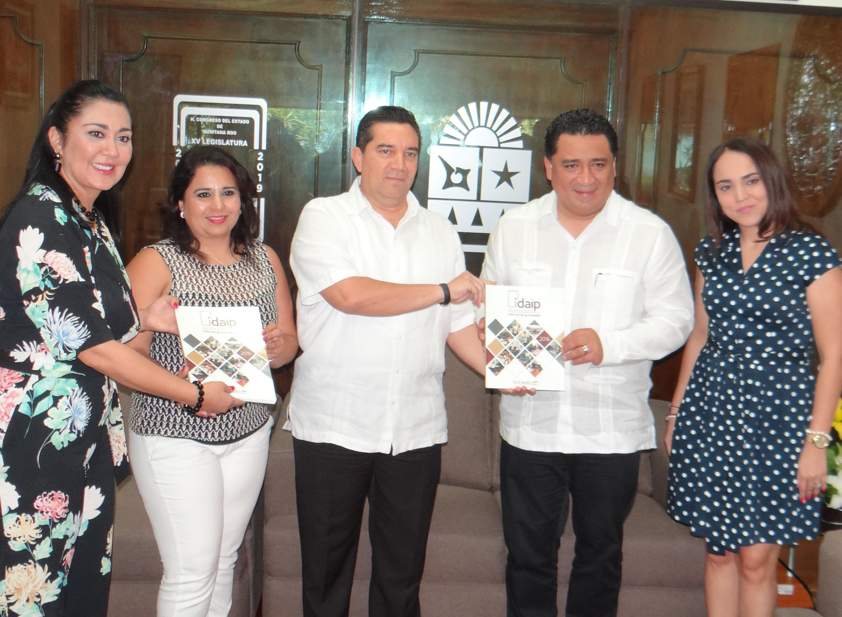 ENTREGA IDAIPQROO INFORME DE ACTIVIDADES 2016 A LA XV LEGISLATURA DEL H. CONGRESO DEL ESTADO DE QUINTANA ROO