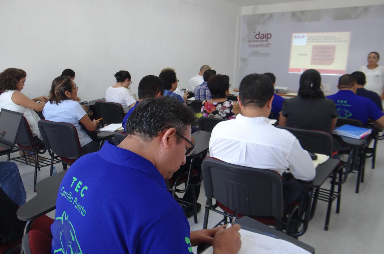 DURANTE MAYO, EL IDAIPQROO CAPACITÓ A 194 PERSONAS ENTRE SERVIDORES PÚBLICOS E INTEGRANTES DE PARTIDOS POLÍTICOS