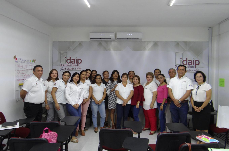 """CONCLUYE EL CURSO """"IMPARTICIÓN DE CURSOS DE FORMACIÓN DE CAPITAL HUMANO DE MANERA PRESENCIAL GRUPAL"""" IMPARTIDO POR EL ICAT CHETUMAL A SERVIDORES PUBLICOS DEL IDAIPQROO Y DE OTRAS DEPENDENCIAS"""
